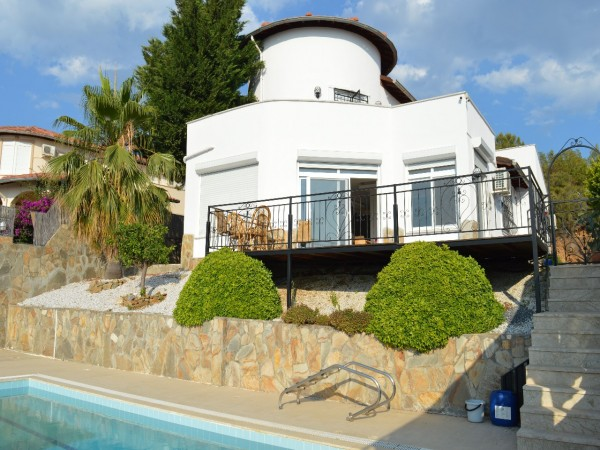 Superb 3 bedroom villa with stunning views for sale in Alanya