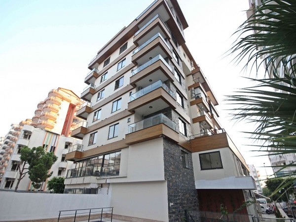 Very spacious penthouse centrally located in popular neighborhood of Alanya