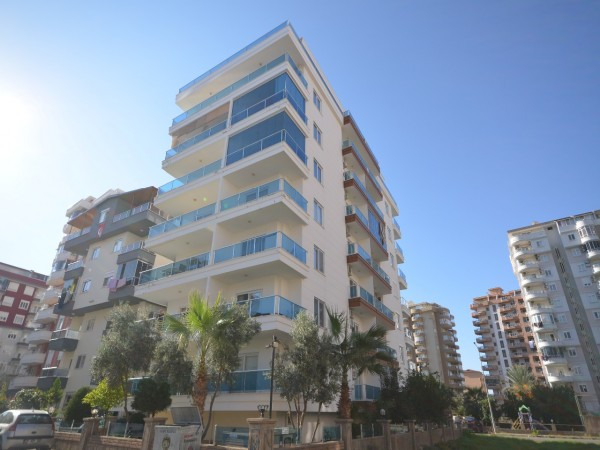 Spacious 3 bedroom penthouse with beautiful views for sale in Alanya