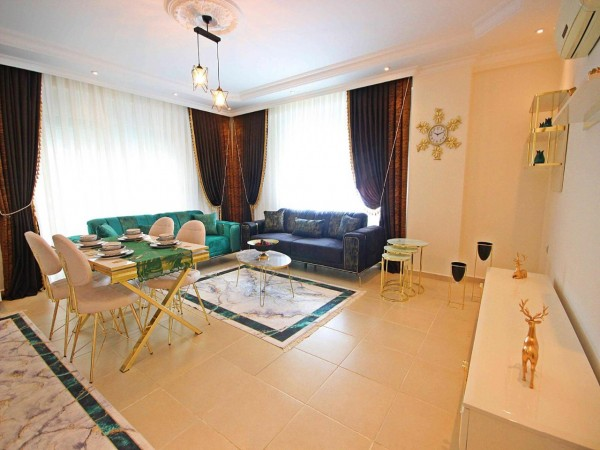 Large 2 bedroom apartment very centrally located for sale in Alanya