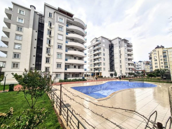 Furnished 2 bedroom apartment in cozy residential complex in Alanya
