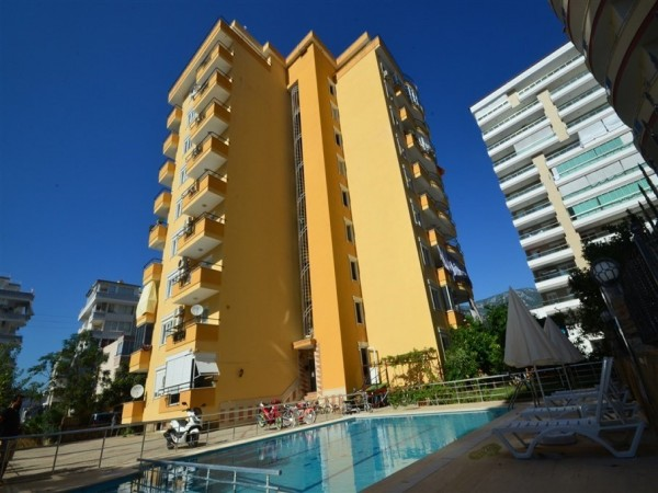 Spacious and centrally located 2 bedroom for sale in Alanya