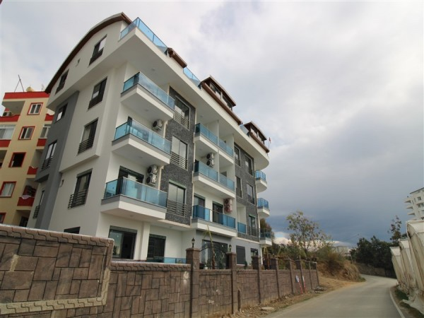 Fantastic 1 bedroom with airy views for sale in Alanya