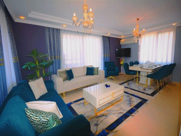 Tastefully furnished 2 bedroom in centrally located complex in Alanya