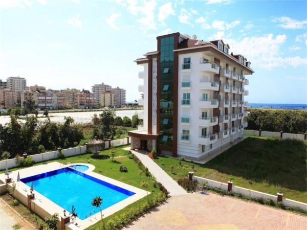 Stunning 2 bedroom in cozy residential complex for sale in Alanya