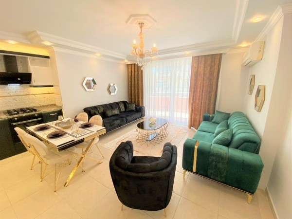 Stunniing 2 bedroom apartment ready to move in popular neighborhood
