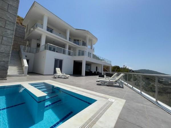 Lavish 6 bedrooms private villa with swimming pool in Kargicak