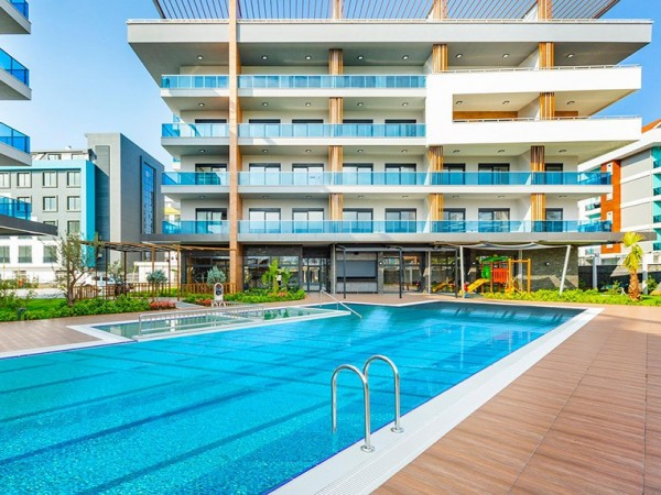 Excellent 5 bedrooms penthouse situated in a high quality complex