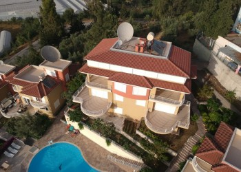 Specious 3 bedroom villa with amazing views for sale in Alanya