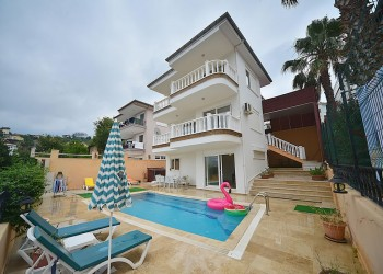 Stunning Villa with huge living surface for sale in Alanya