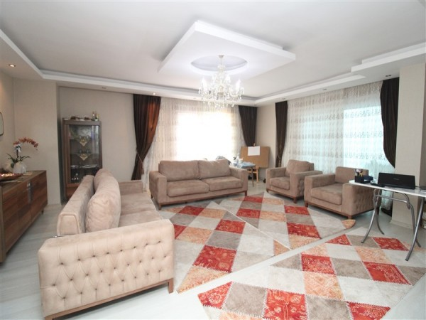 Stunning and fully furnished penthouse in Kestel for sale