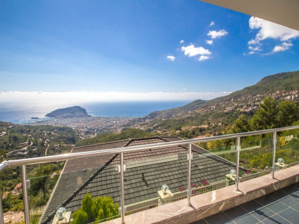 Modern design luxury villa with panoramic views for sale in Alanya