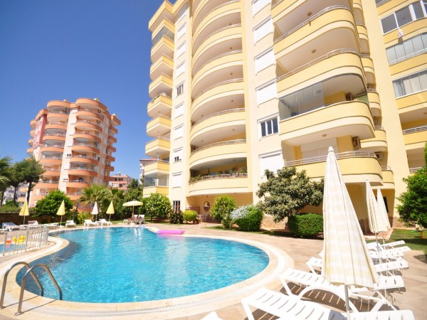 European complex with rich facilities close to beach and Alanya city center