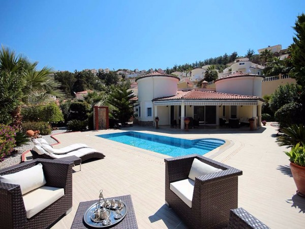 Stylish sea view villa with a private pool, sauna and garden
