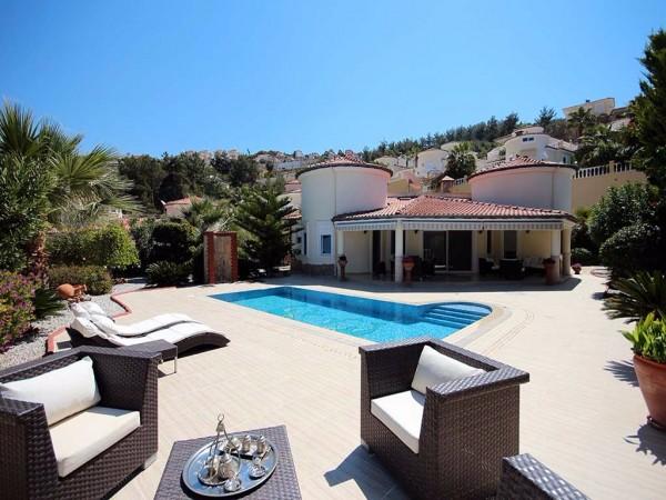 Stylish sea view villa with a private pool, sauna and garden