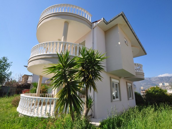 Excellent value smart villa with panoramic views