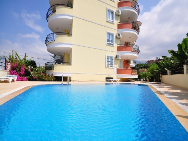Bargain price spacious duplex penthouse in Mahmutlar
