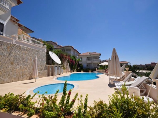 Bargain price apartment in prestigeous location