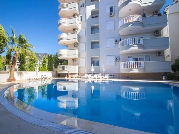 Superb 2 bedroom apartment in well established complex in Oba