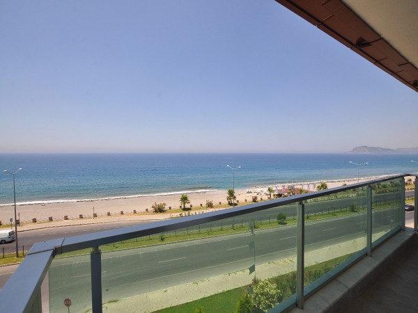 Luxury penthouse with exceptional views for sale in Alanya