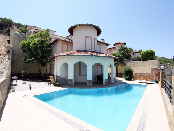 Exceptional villa at exceptional price!