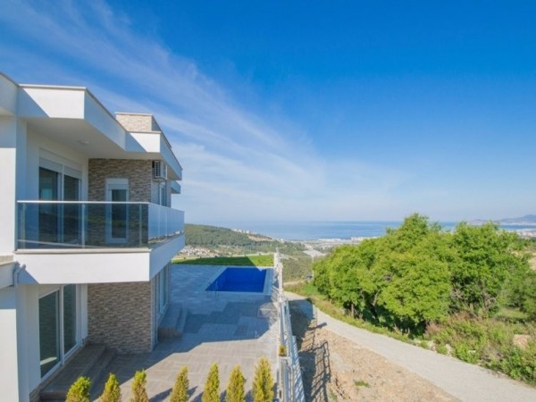 Contemporary design spacious holiday villa for sale in Alanya