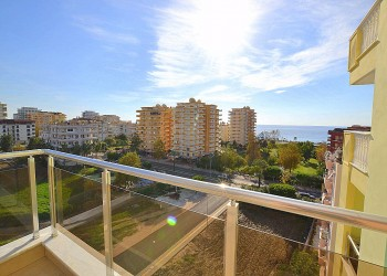 Prestigious 2 bedroom apartment with stunning views for sale in Alanya
