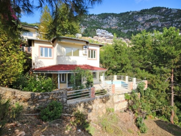4 Bedroom Large, Bargain Family Villa in Alanya! Must SEE!