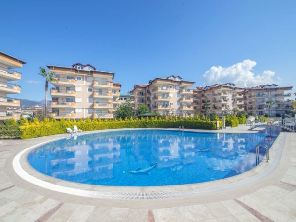 Magnificent 2 bedroom apartment in well established holiday complex!