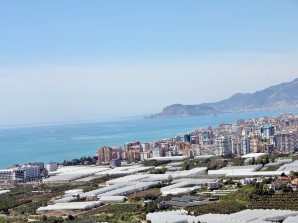 Beautiful 1 bedroom apartment with impressive views in Alanya