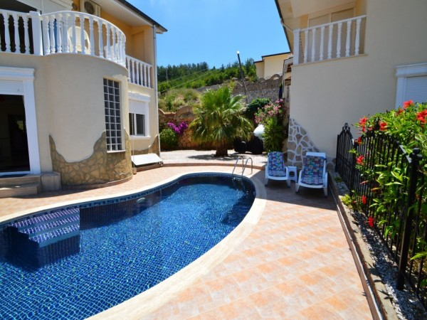 Exclusive villa with absolutely fantastic views for sale in Alanya