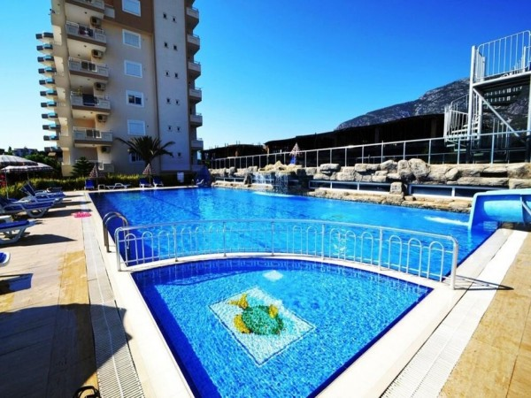 Large apartment with 2 bedrooms in cozy residential complex in Alanya
