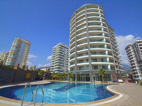 Exceptional 1 bedroom apartment in newly completed complex in Alanya
