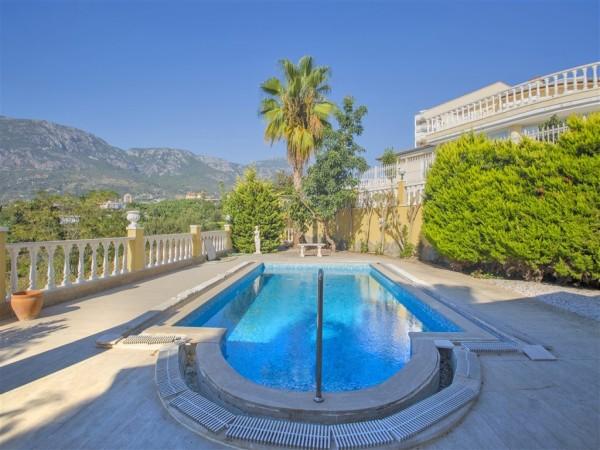 Fantastic Mediterranean style villa for sale in Alanya