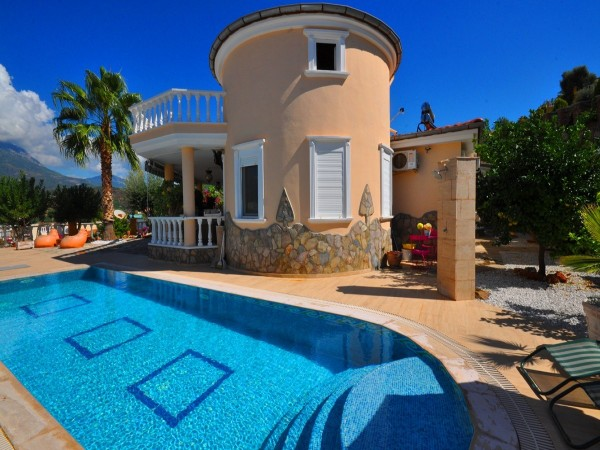 Immerse yourself in luxury and tranquility with this private villa!