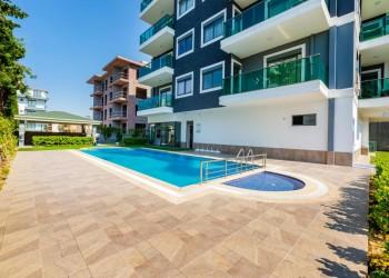Великолепная квартира в новом комплексе на берегу моря