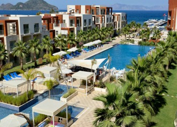Magnificent beachfront holiday resort in Bodrum