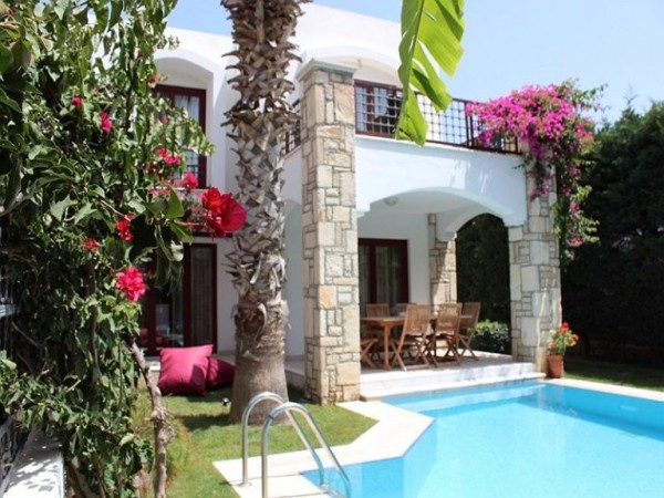 Beautiful 3 bedroom detached villa nicely located in Yalikavak