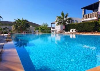 Nice Villa Close to a Sandy Beach in Guvercinlik