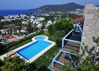 Prestigious holiday villa in much sought after Turkbuku