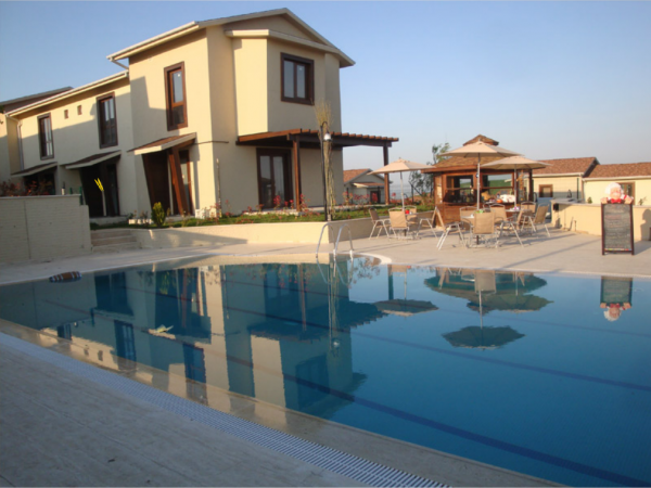 Stunning villa for sale with large garden in Buyukcekmece