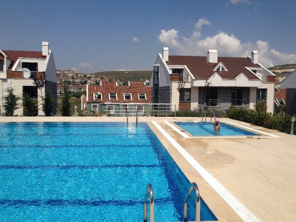 Spacious House for sale favourably priced in Basaksehir