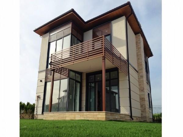Великолепная двухэтажная вилла в районе Силиври по выгодной цене