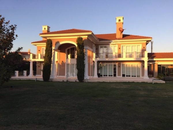 Enjoy beautiful sunsets in this luxury mansion for sale in Istanbul