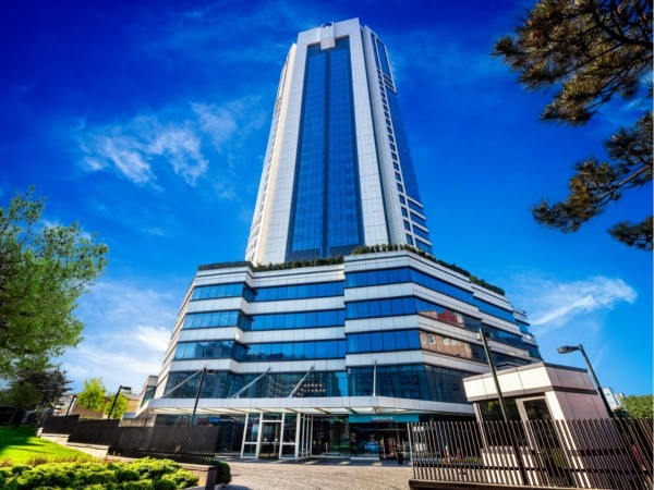 Magnificient apartments in centrally located residential complex in Istanbul