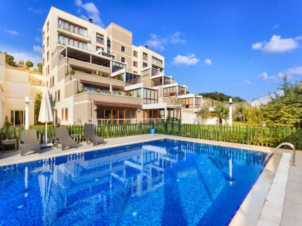 Stylish complex to experience new Istanbul life style