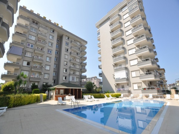 Centrally located ,2+1 family apartment in a nice complex